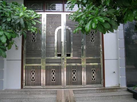 Những mẫu cửa nhà đẹp