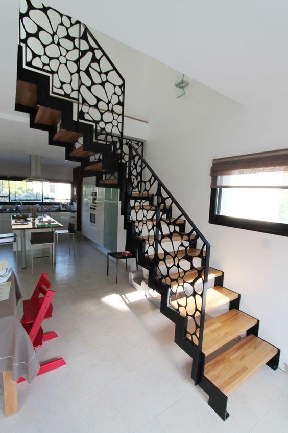 Những mẩu cầu thang đẹp cho nhà ống